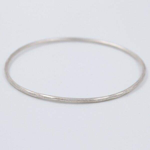 Bracelet Jonc fin en argent Fabrication artisanale dans le vieux lyon
